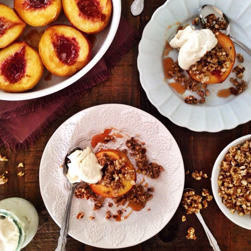 paleo-baked-peaches-with-nut-crumble